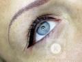 Extra vastag felső szemhéjkontúr tetoválás