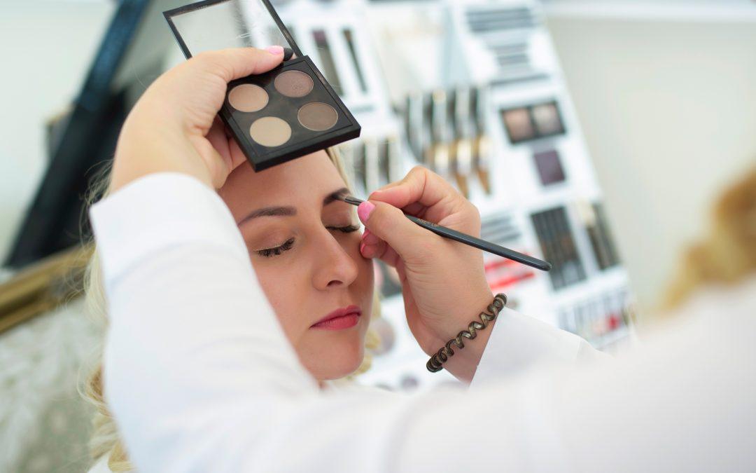 Hogyan sminkelj, ha van sminktetoválásod?